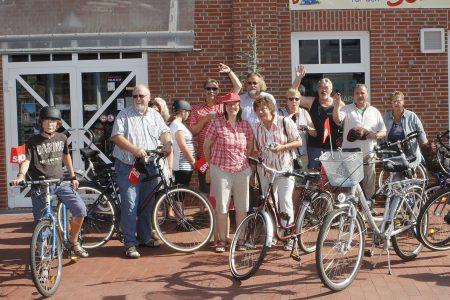 Einige Teilnehmerinnen und Teilnehmer der Radtour.